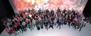 Ritratto d'insieme di tutti i partecipanti al convegno.