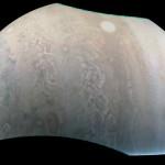 Juno. Un filo di perle nell'atmosfera di Giove