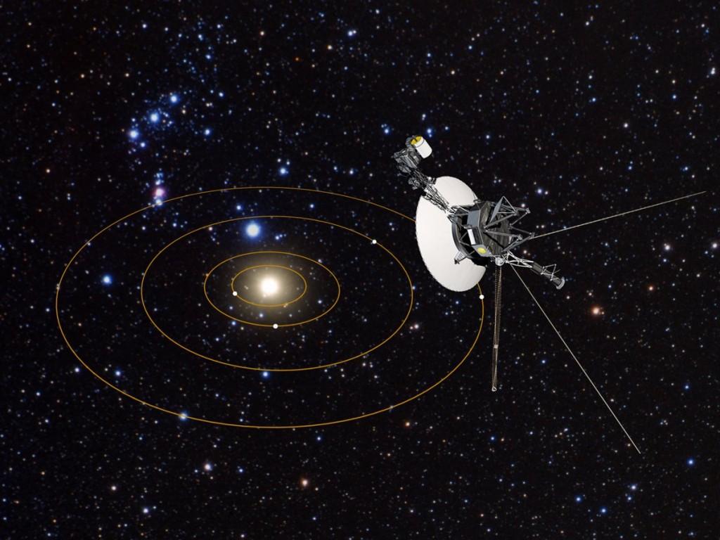 Una rappresentazione artistica della sonda Voyager 1 nella periferia esterna del Sistema Solare